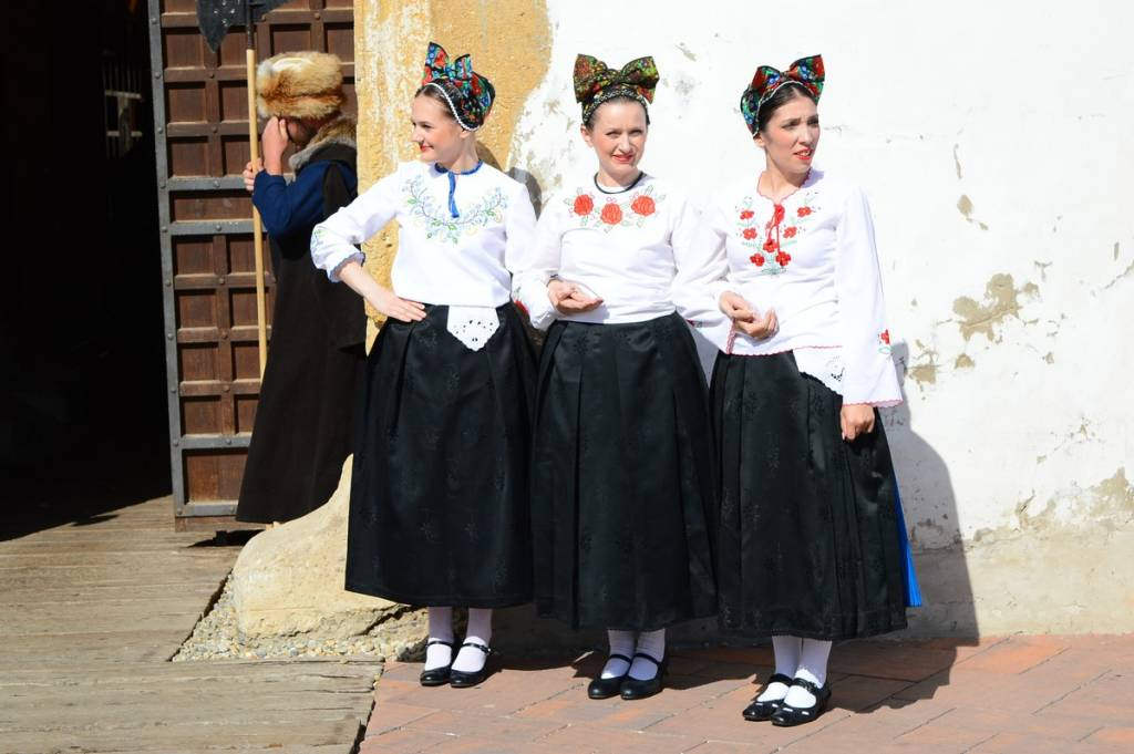 Dan grada Đurđevca - folklorašice