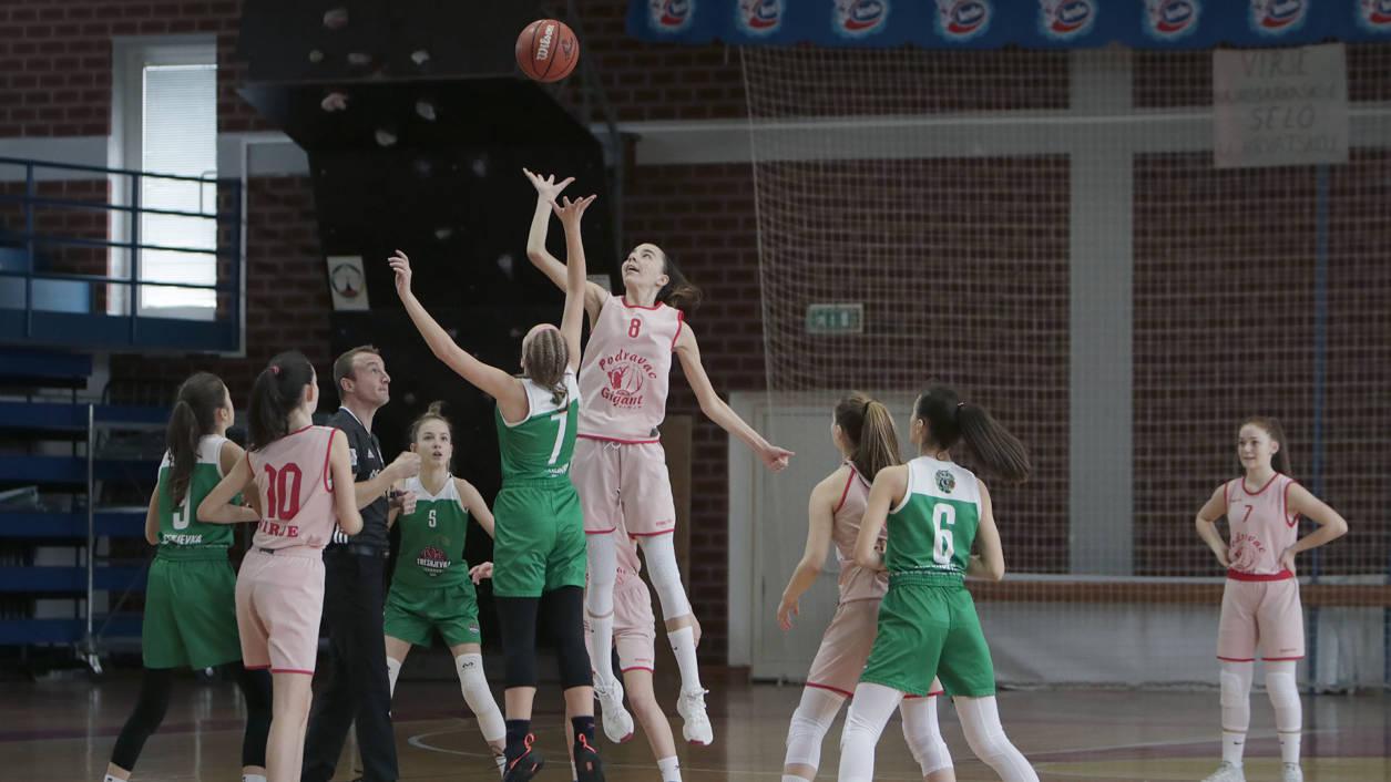 Iva Šoš najviša je u ekipi i to zna dobro iskoristiti