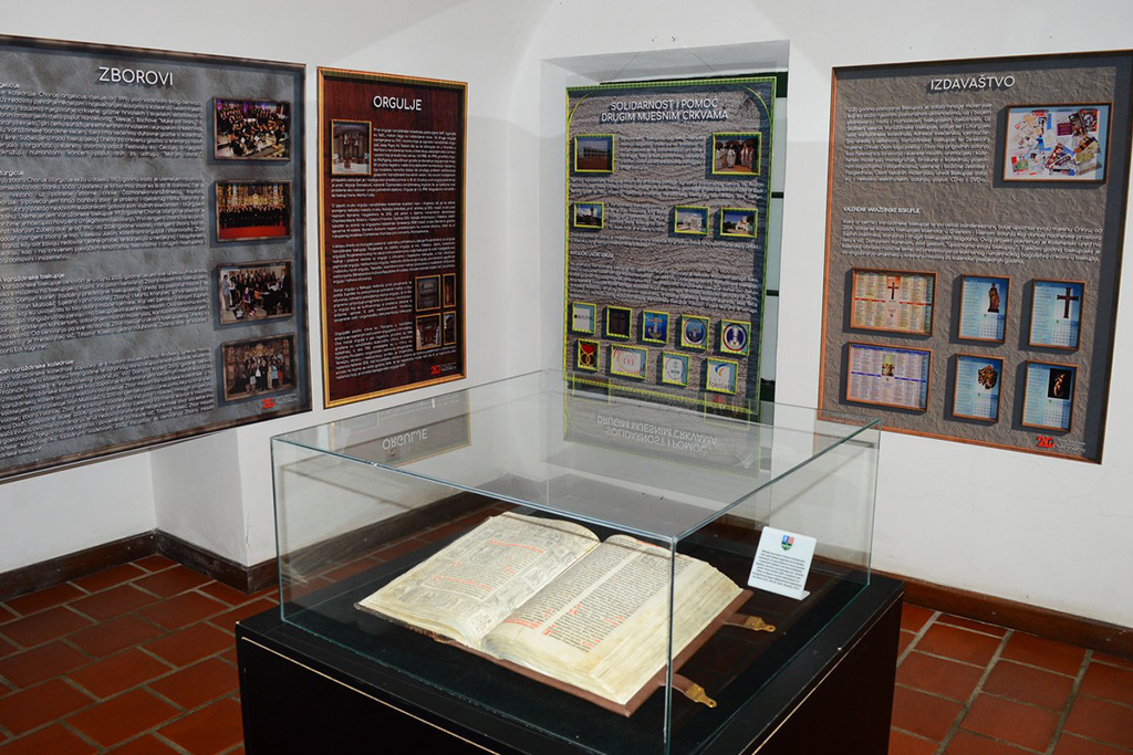 "Izložba ""Trag dobrote: 20 godina Varaždinske biskupije"""