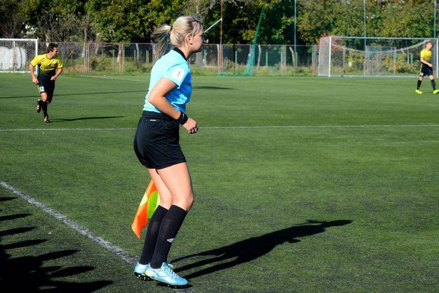 Nogometna sutkinja Matea Loparac
