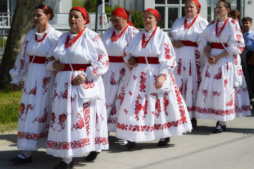Uskrsni ponedjeljak u Močilama - procesija