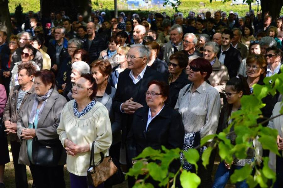 Vjernici na misnom slavlju u Močilama