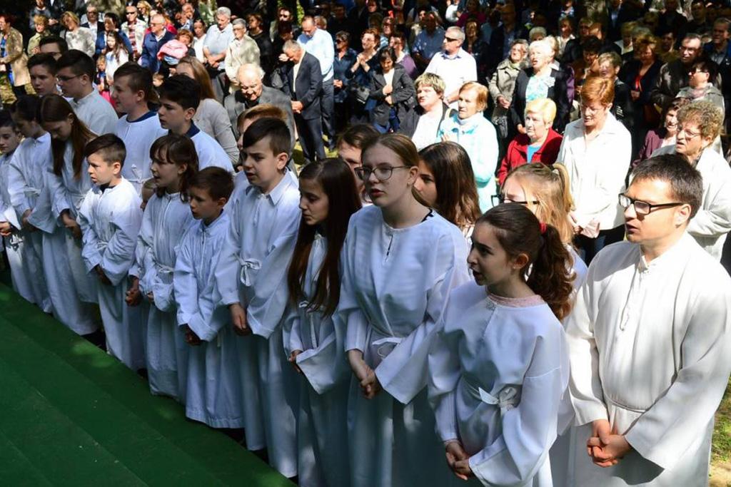 Uskrsni ponedjeljak u Močilama - ministranti