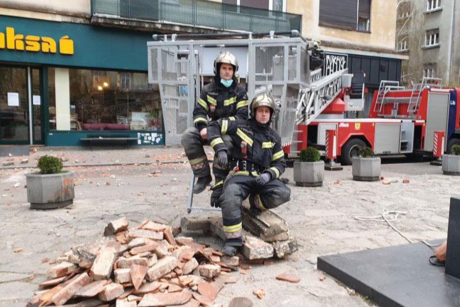 Vatrogasci u Zagrebu nakon potresa