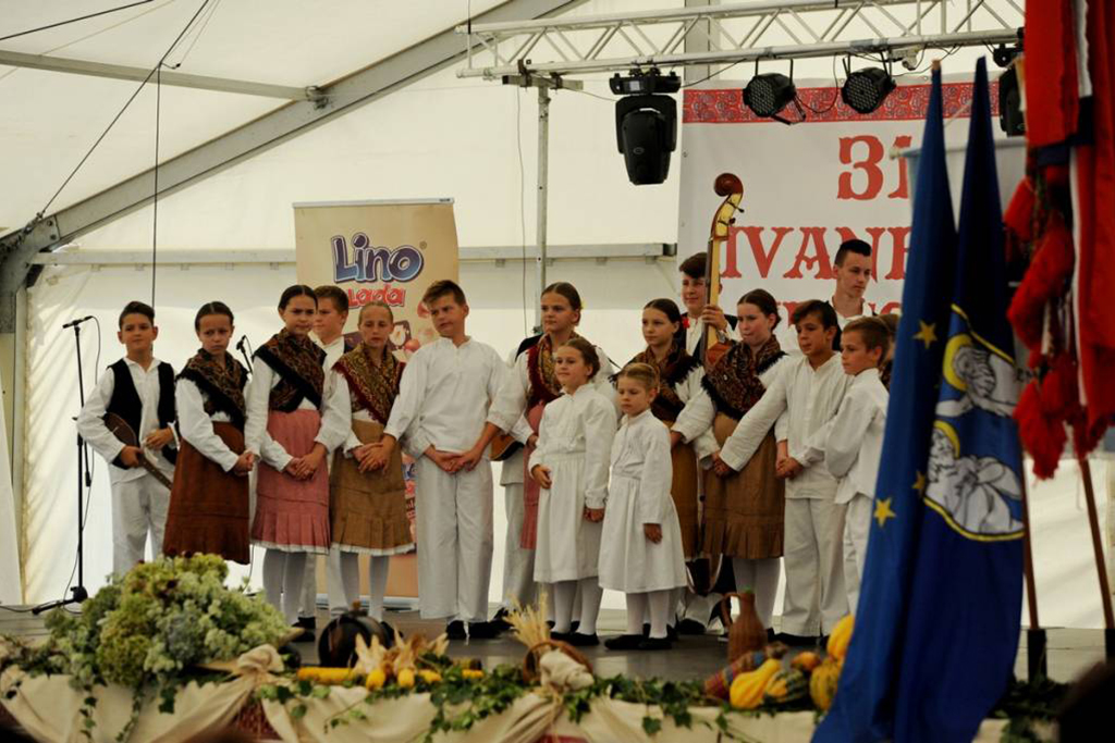 Ivanečke kresnice - mali folkloraši