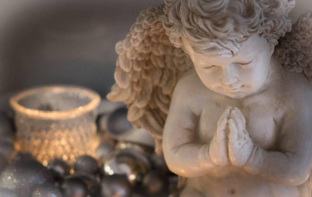 Anđeo moli za preminule