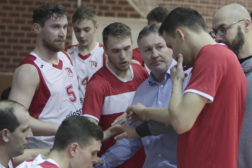 Trener Mirko Hrženjak uspješno vodi virovske košarkaše