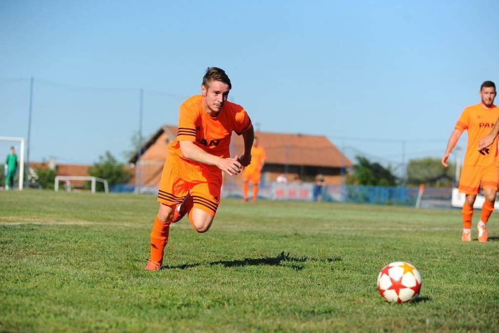 Napadač NK Močila Igor Čani na utakmici
