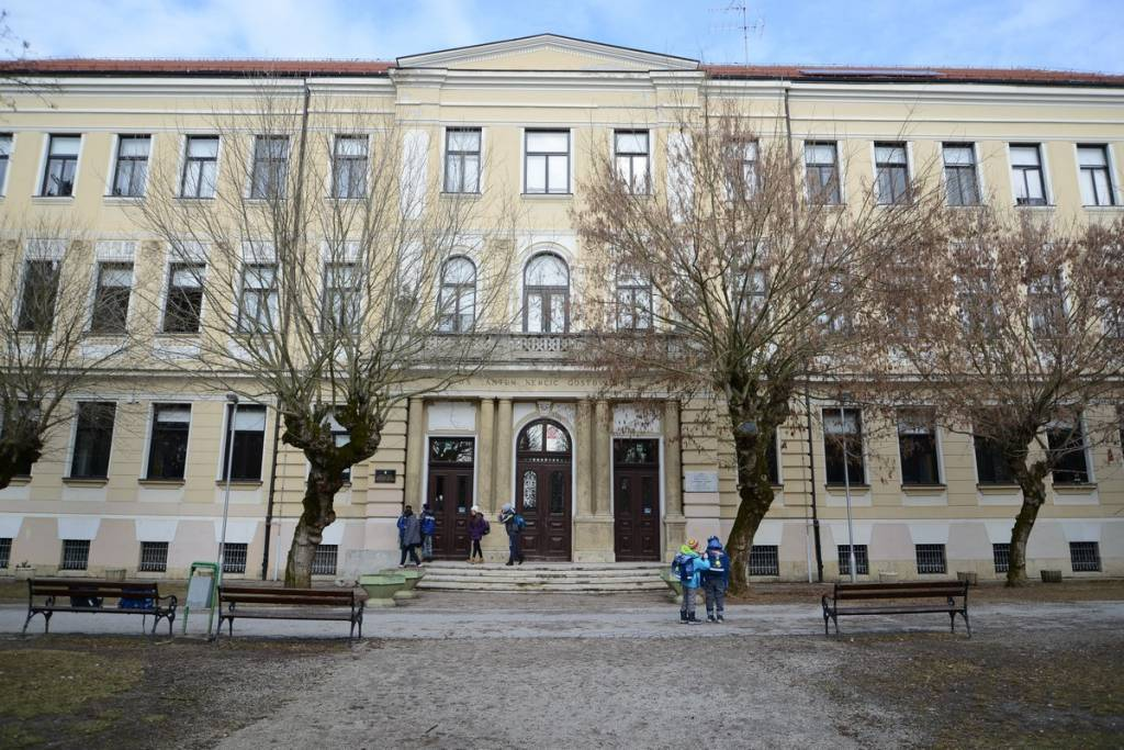 Osnovna škola Antun Nemčić Gostovinski u Koprivnici