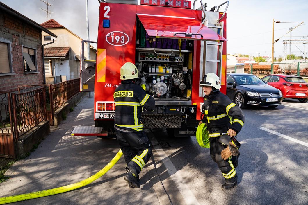 Koprivnički vatrogasci na intervenciji // Foto: Luka Krušec / LuMedia