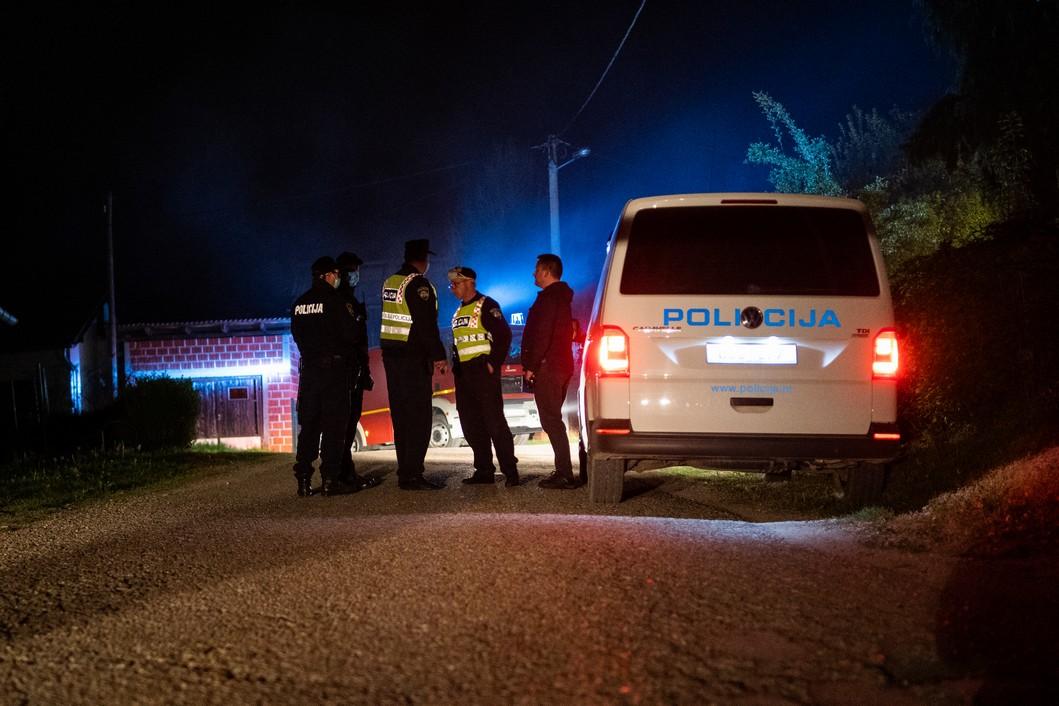 Policijski očevid nakon požara na koprivničkoj Vinici u kojem je smrtno stradao muškarac