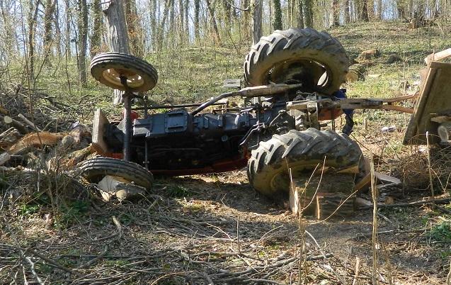 Prevrtanje traktora u šumi
