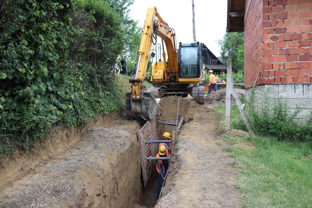 Radovi na izgradnji vodovodne i kanalizacijske mreže