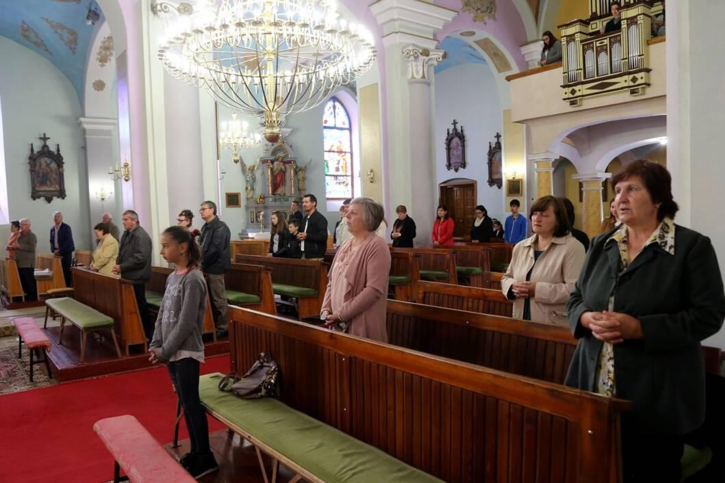 Vjernici na misnom slavlju u Maloj Subotici