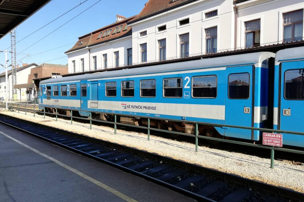 Putnički vlak na stanici u Koprivnici