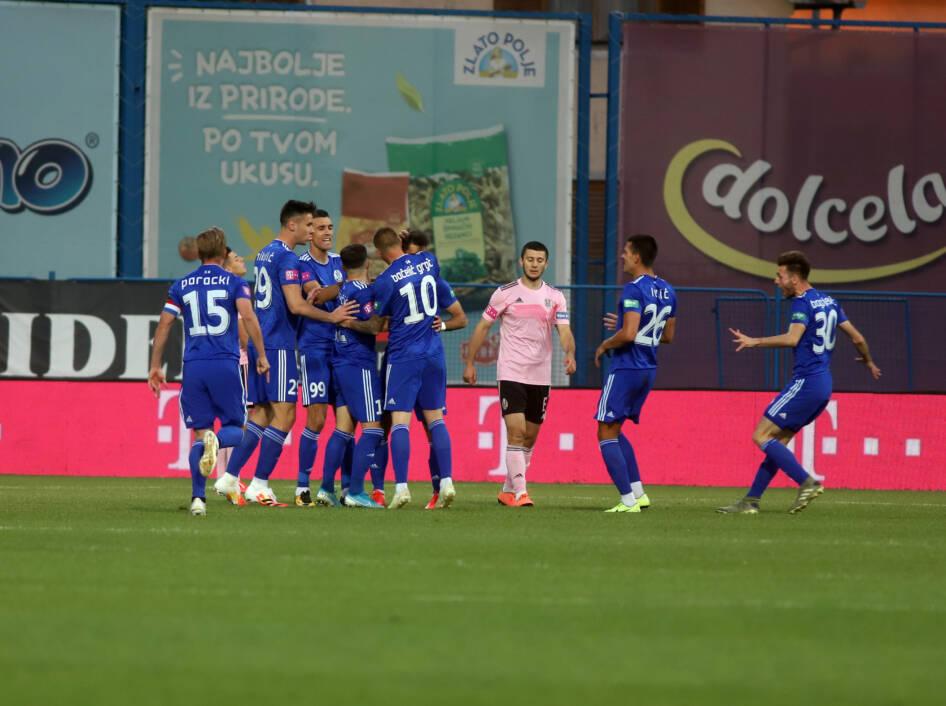 slavlje nogometaša slavena Belupa protiv Lokomotive