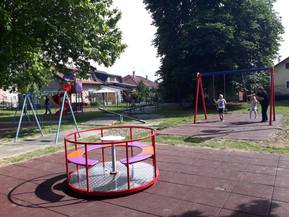 Dječje igralište u parku Pod lipama u Novigradu Podravskom