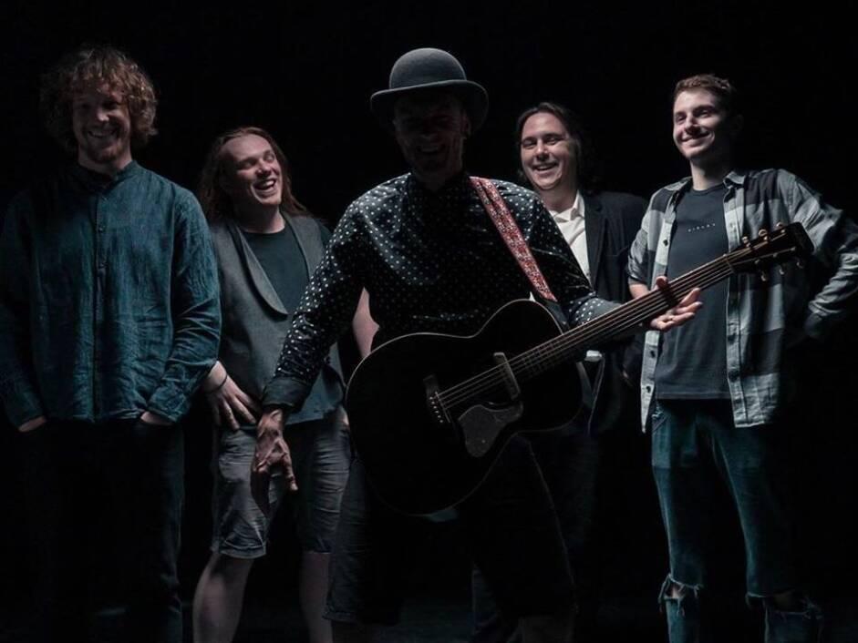 Folk rock bend Ogenj