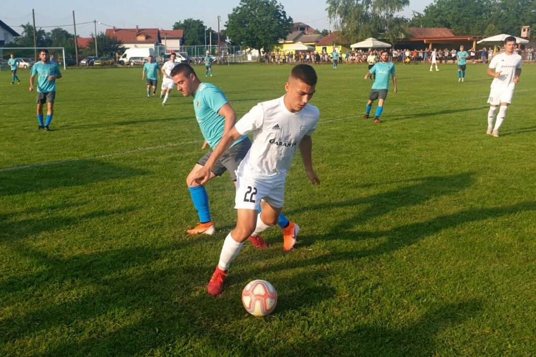 Detalj s utakmice Tehničara i selekcije nogometaša u Malom Bukovcu