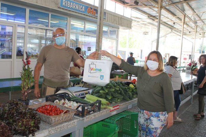 Poljoprivredni proizvođač na koprivničkoj gradskoj tržnici