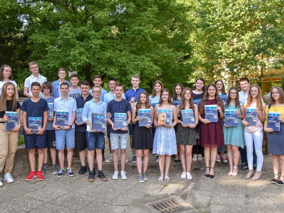 Najbolji učenici osmih razreda OŠ Đurđevac
