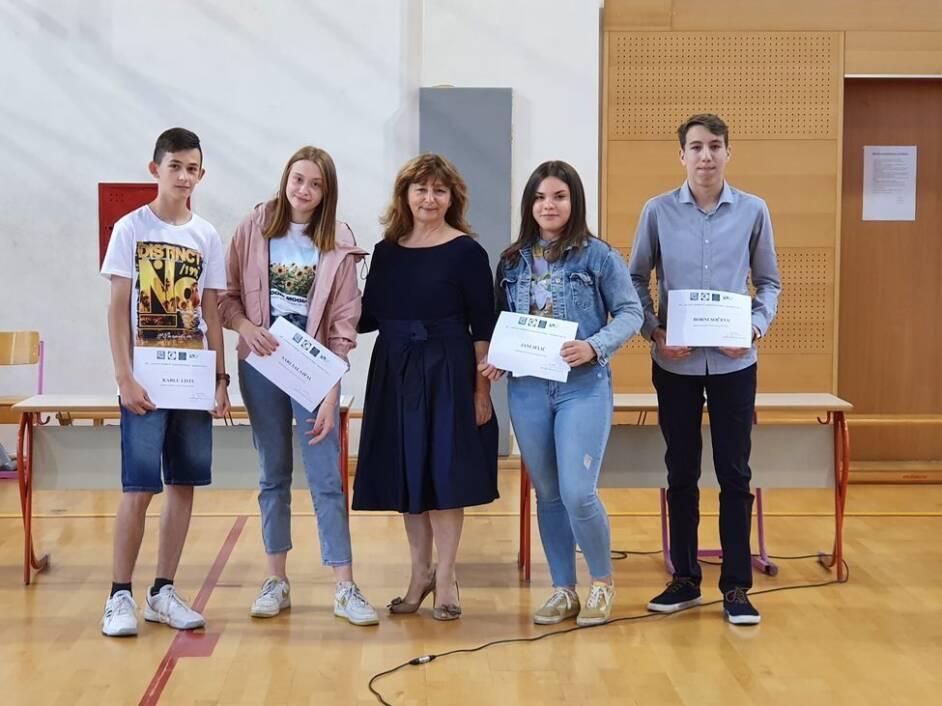 Najbolji učenici OŠ Antun Nemčić Gostovinski