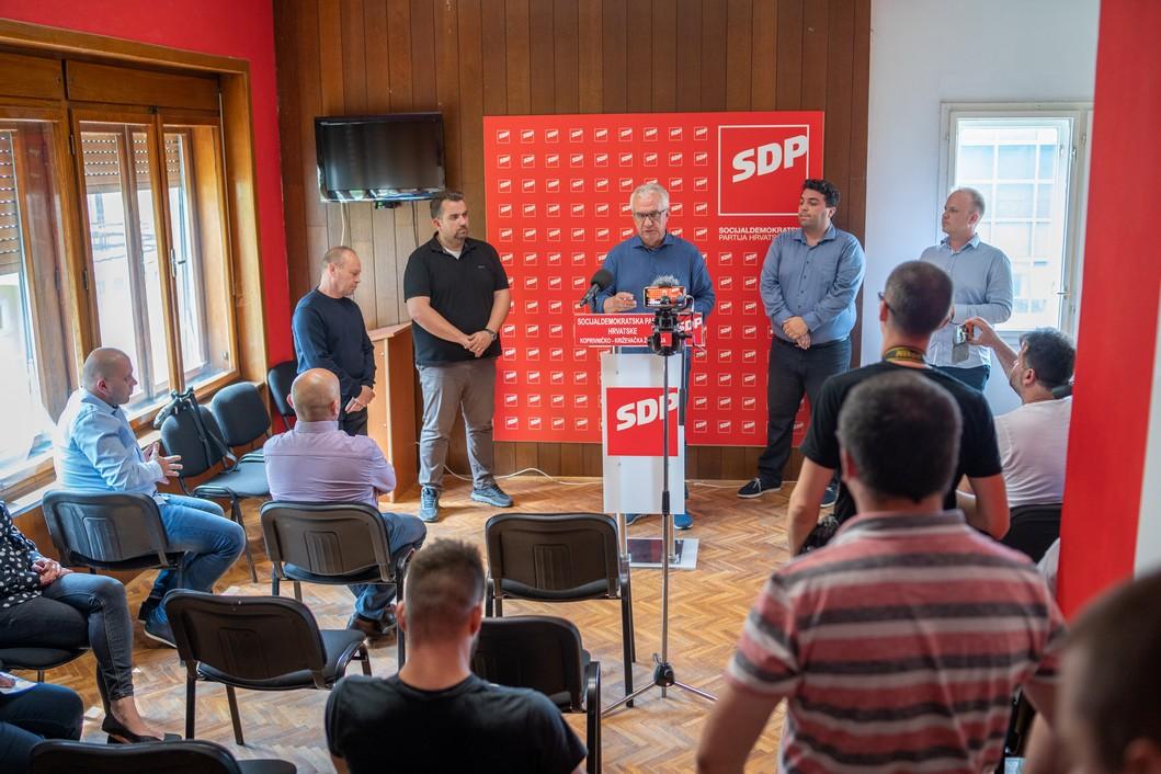 Rajko Ostojić, nositelj liste koalicije Restart u 2. izbornoj jedinici // Foto: Luka Krušec / LuMedia
