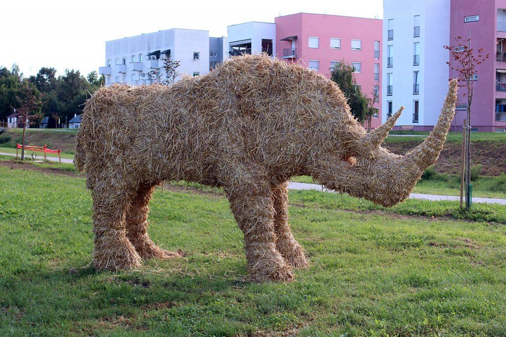 Nosorog Erika od slame u Ludbregu