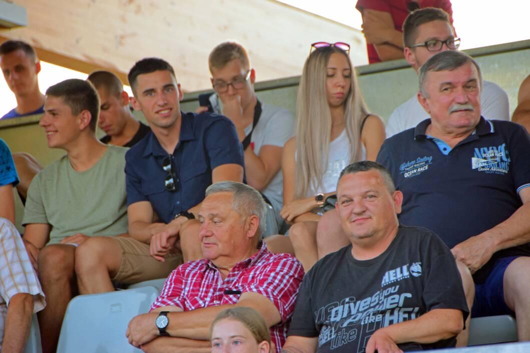 publika na đurđevačkom stadionu