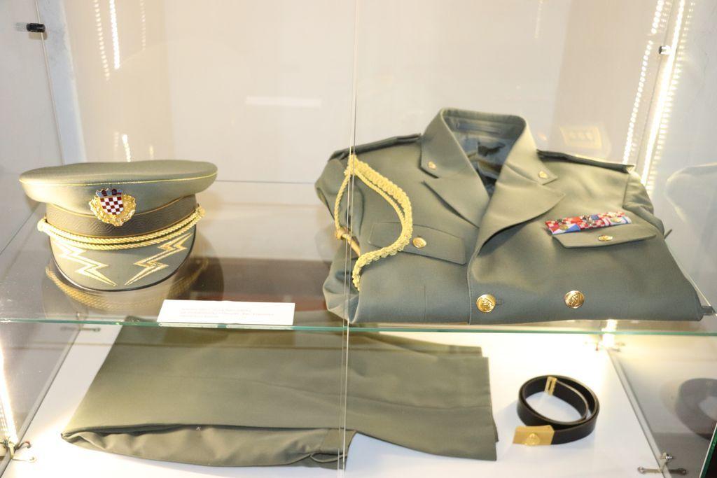 U koprivničkom muzeju otvorena izložba 'Koprivničke postrojbe u VRO Bljesak'