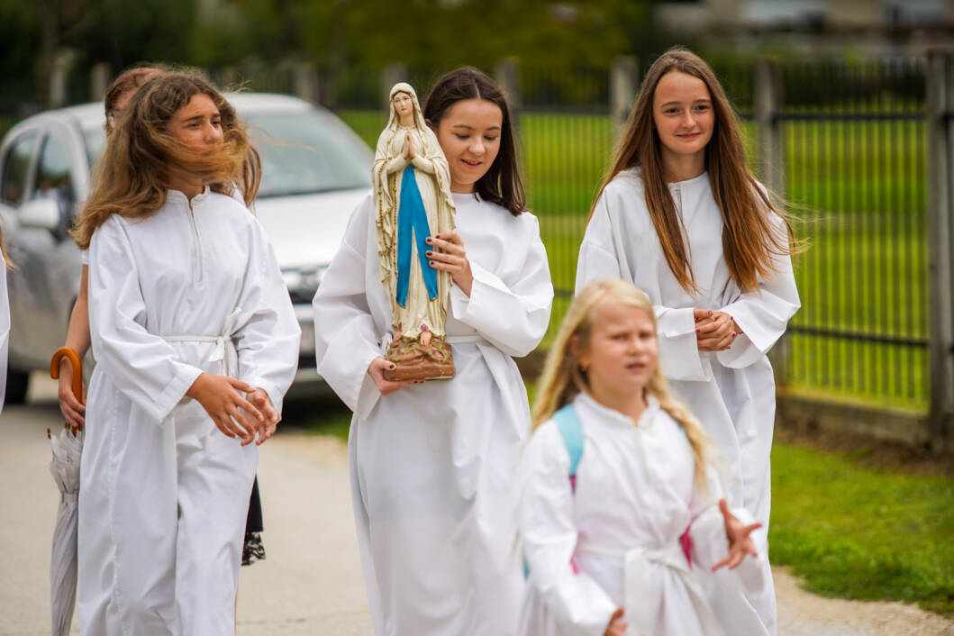 Zavjetna procesija na blagdan Velike Gospe u Močilama