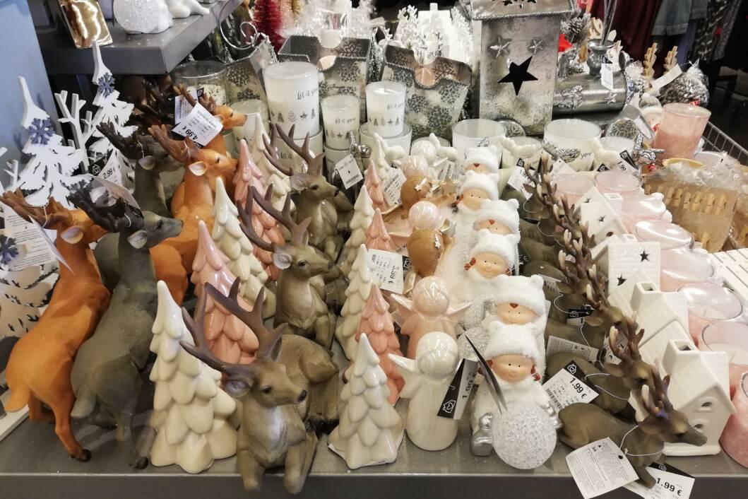 Božićni ukrasi u koprivničkim trgovinama