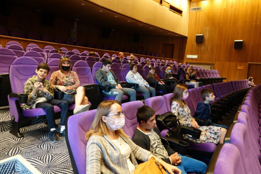 Učenici Odjela za djecu s teškoćama u kinu u Đurđevcu