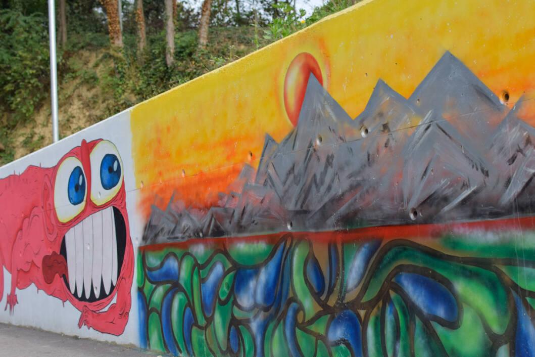 Oslikavanje murala u Rasinji
