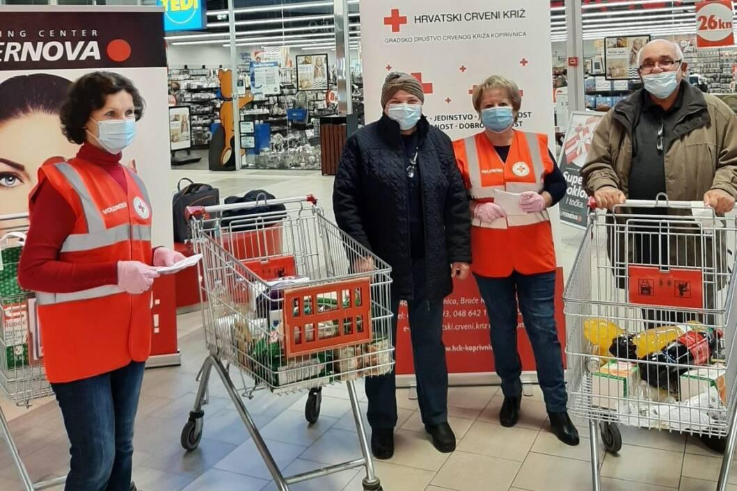 Prikupljanje hrane i higijenskih potrepština za koprivničku Socijalnu samoposlugu