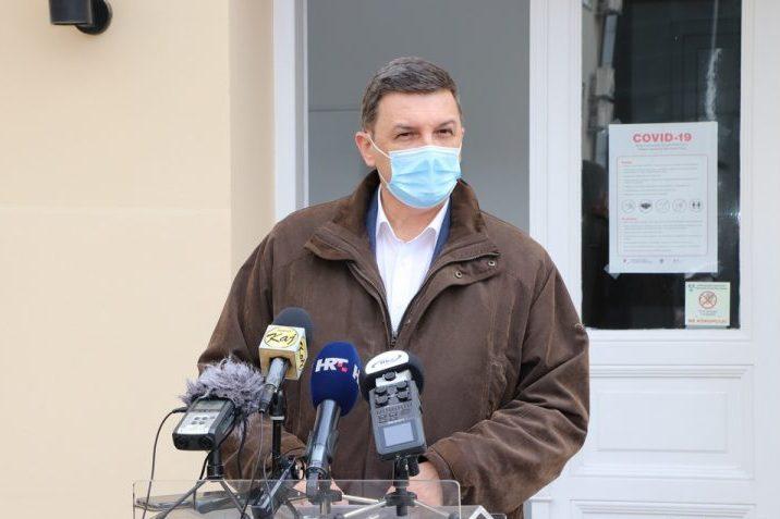 Ravnatelj bolnice Mato Devčić