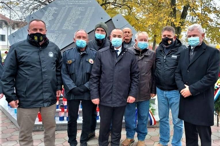 Koprivnički ratni veterani na komemoraciji u Laslovu