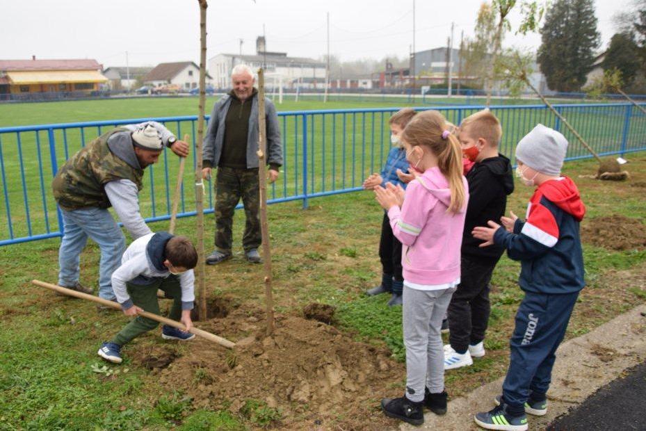 Općina Legrad aktivno sudjelovala u akciji 'Zasadi stablo, ne budi panj!'