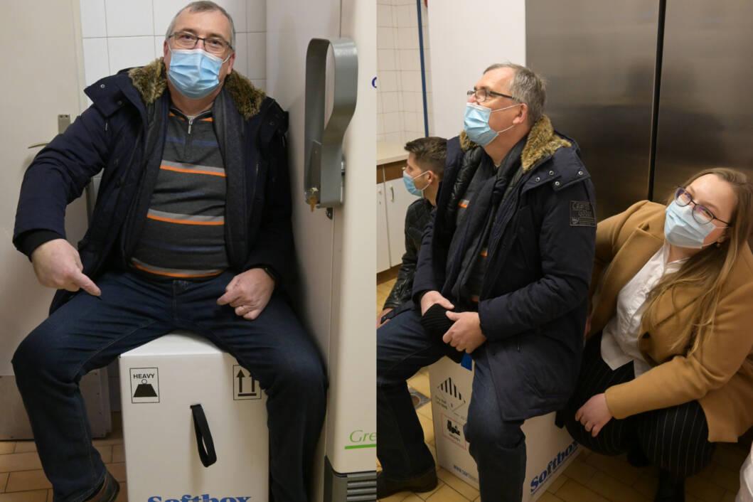 Ravnatelj HZJZ-a Krunoslav Capak pozira s pristiglim cjepivom protiv koronavirusa
