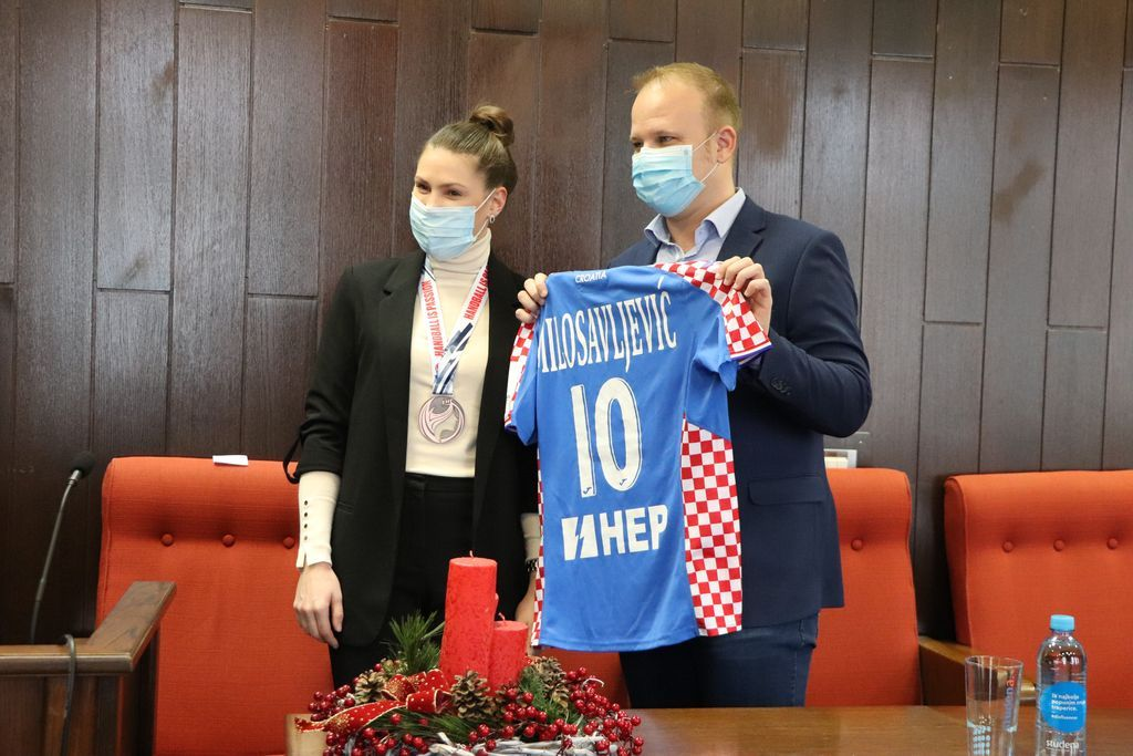 Koprivnički gradonačelnik Mišel Jakšić i rukometašica Dejana Milosavljević