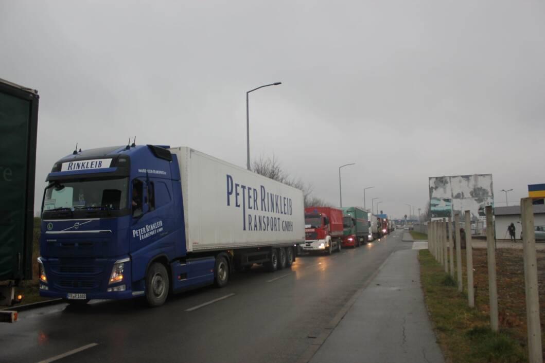 Na područje pogođeno potresom iz Njemačke stigao drugi konvoj pomoći vatrogasaca