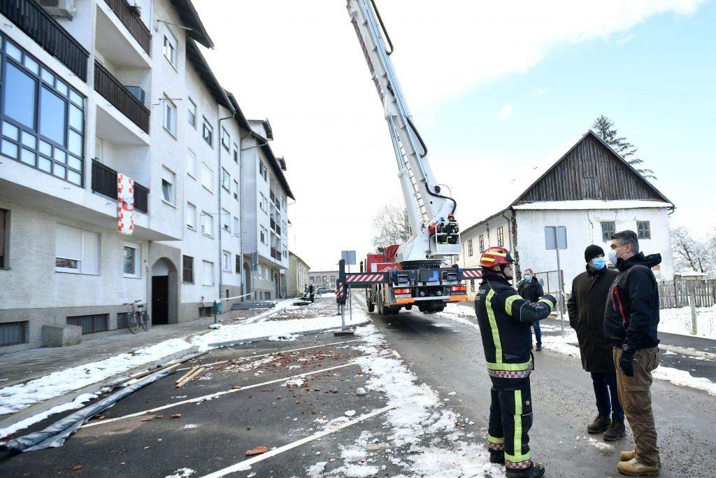 Predsjednik Zoran Milanović obišao vatrogasce u potresom pogođenom području