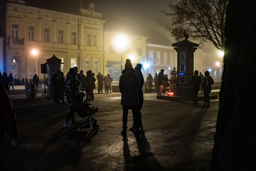 Koprivničanci se opraštaju od Balaševića // Foto: Luka Krušec / LuMedia
