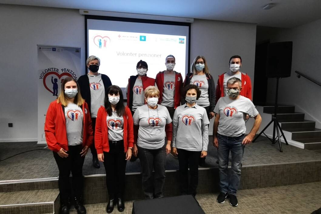Djelatnici koprivničkog Crvenog križa i predstavnici projektnih partnera iz Grada Koprivnice i Društva žena Kamengrad iz Starigrada