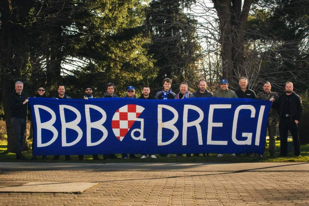 Stara ekipa BBB-ovaca iz Koprivničkih Bregi s transparentom iz 1996. godine