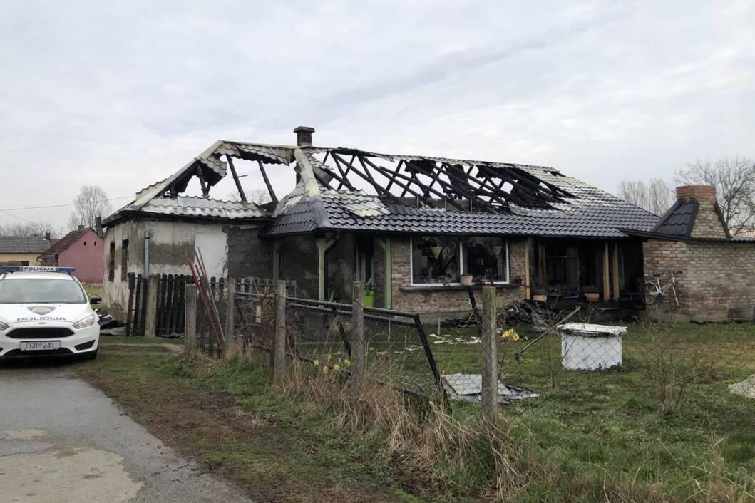 Obiteljska kuća uništena je u velikom požaru