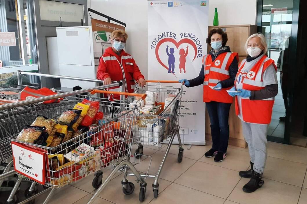 Volonterke penzionerke u akciji prikupljanja donacija za Socijalnu samoposlugu u Koprivnici
