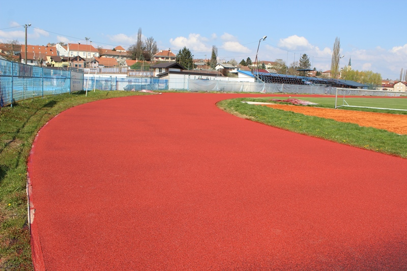 Tartan staza na atletskoj stazi u Križevcima // Foto: Grad Križevci