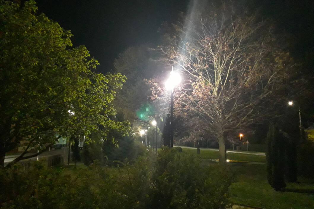Nove led lampe u parku iza crkve u Novigradu Podravskom