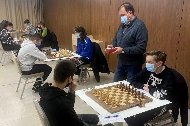 Mladi šahisti na natjecanju